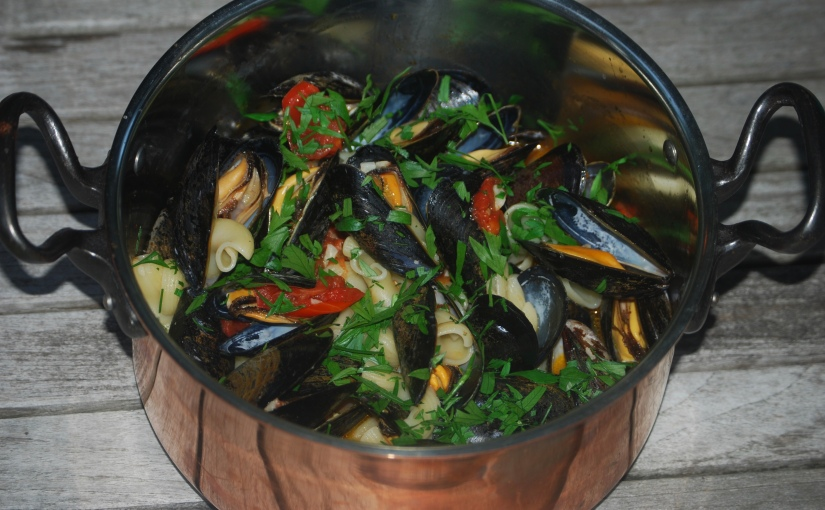 Mussels with Pasta and Tomatoes